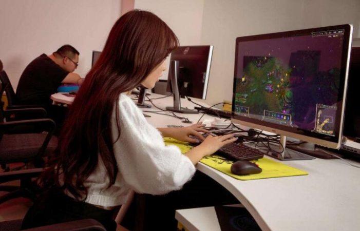 女生玩游戏的基本套路